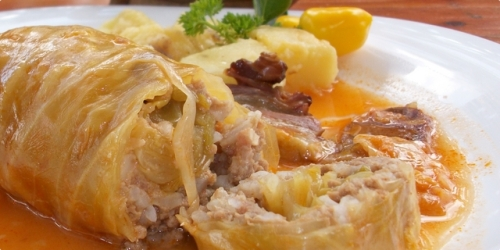 Sarme-Meat-rolls-with-sour-cabbage
